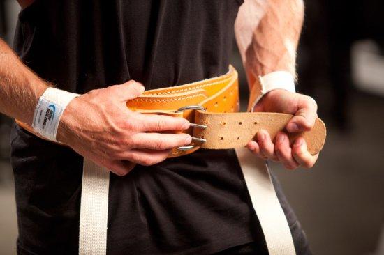 Как выбрать атлетический пояс