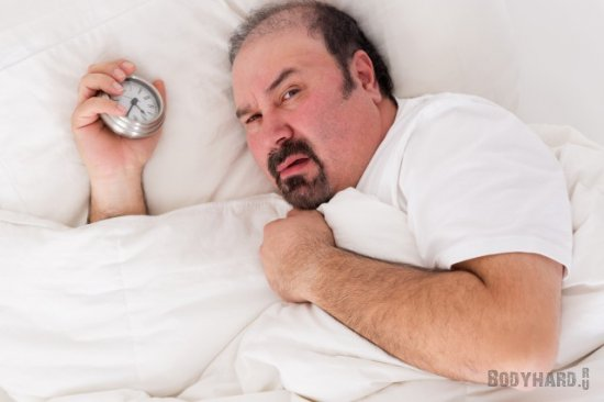 Человек ест на 200 ккал больше, если спит на час меньше